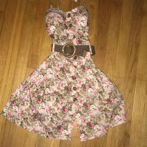 Dresses & Skirts - Sweet sultry dress. Worn once